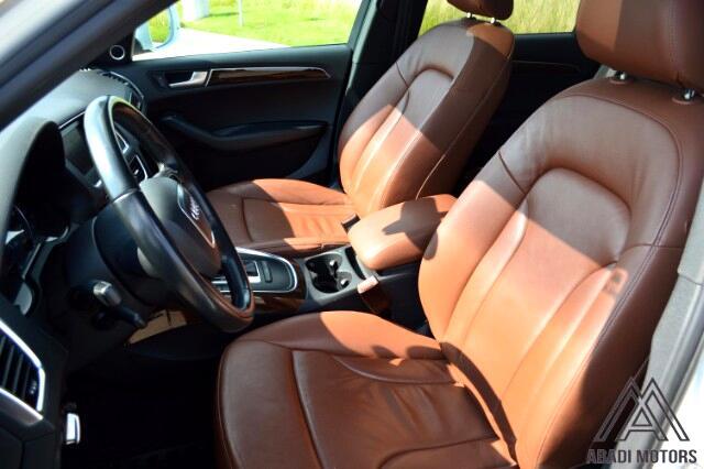 2011 Audi Q5 2.0T quattro Premium with bang & olufsen Sound