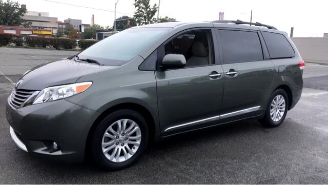 2012 Toyota Sienna XLE FWD Mobility Access 7-Passenger V6
