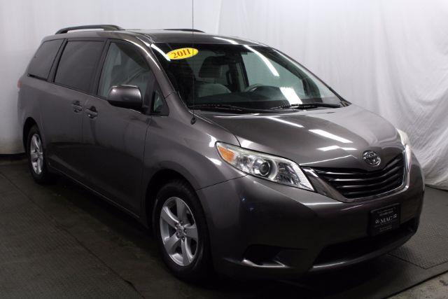 2011 Toyota Sienna LE Mobility Access 7-Pass V6