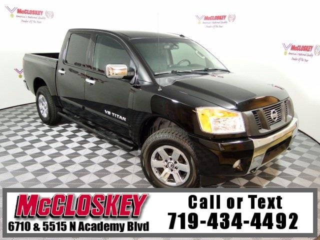 2013 Nissan Titan SV 4x4 w/ Back Up Camera