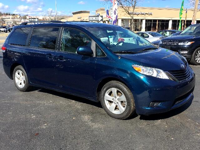 2011 Toyota Sienna LE 8-Pass V6