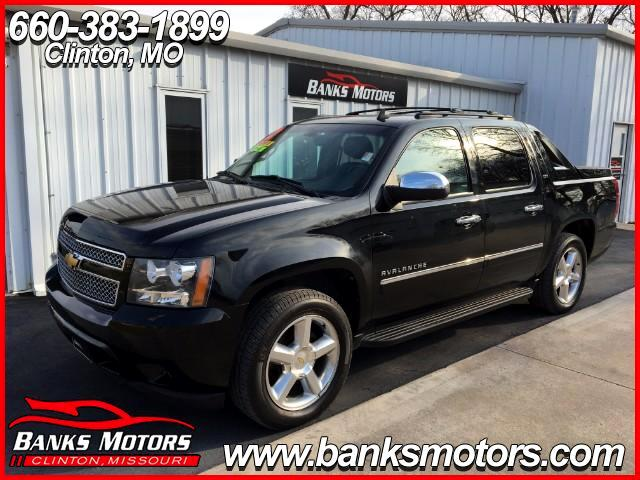 2012 Chevrolet Avalanche LTZ 4WD LOADED HEATED LEATHER NAVIGATION POWER SUN