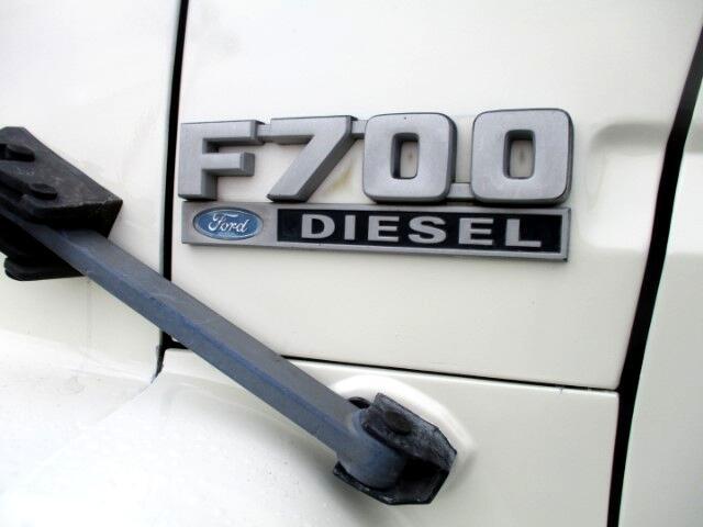 1993 Ford F700 Base