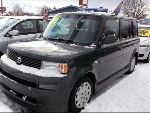2005 Toyota xB XB