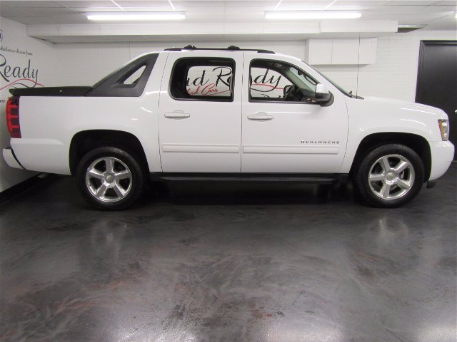 2011 Chevrolet Avalanche LT Crew Cab 4WD