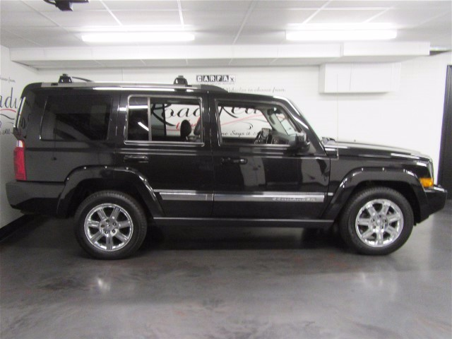 2010 Jeep Commander Limited 4WD
