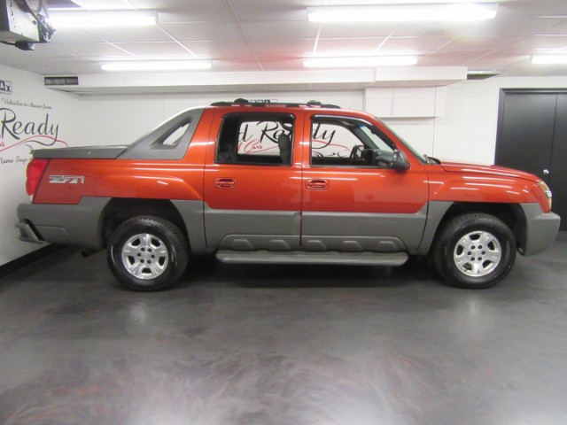 2002 Chevrolet Avalanche LT Crew Cab 4WD