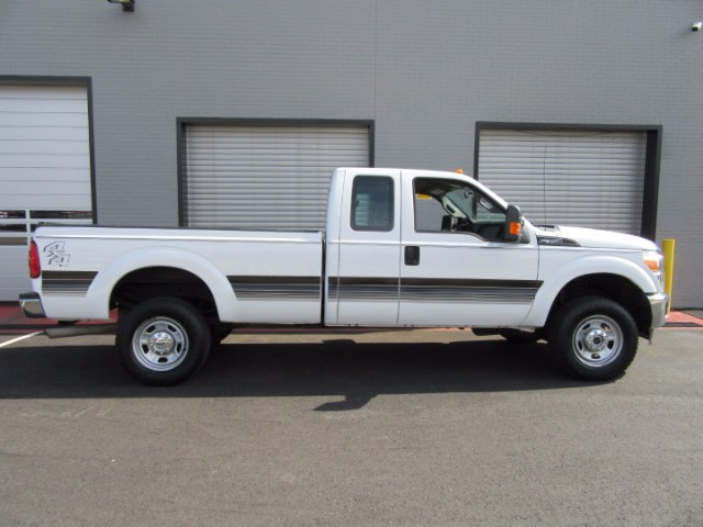 2011 Ford F-350 XLT SuperCab Long Bed 4WD