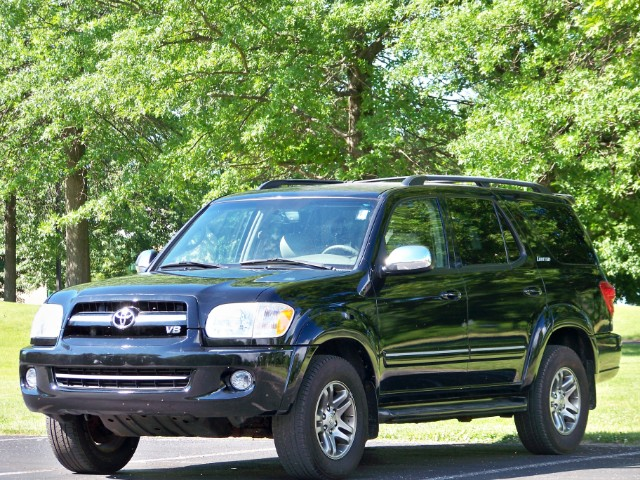 2007 Toyota Sequoia 4WD- Limited. 1-Owner vehicle. Navigation System &