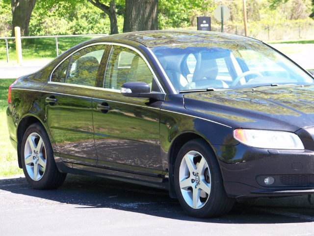2009 Volvo S80 T6-AWD. Heated Leather Seats & Power Sunroof Packa
