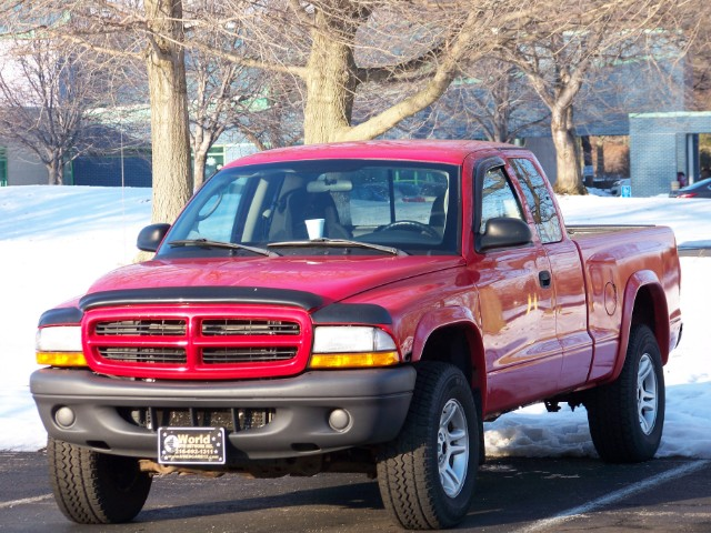 2003 Dodge Dakota SXT Club Cab 4WD