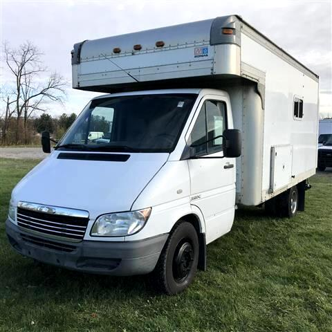2005 Dodge Spinter Chassis Cab 14 FT  CUTAWAY BOX TRUCK