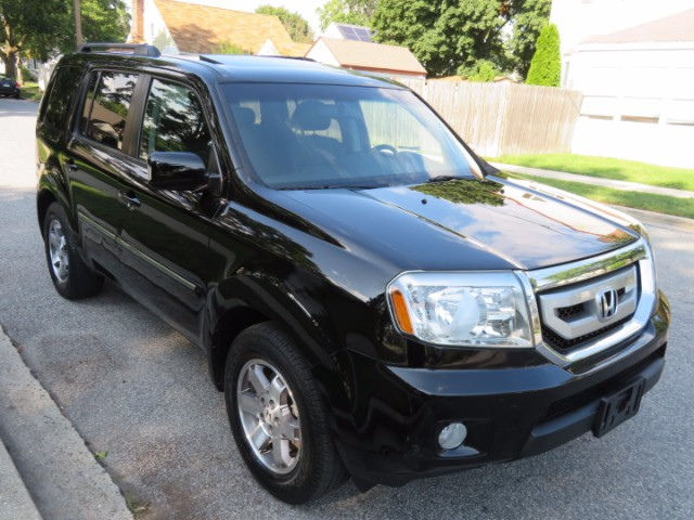 2010 Honda Pilot Touring 4WD 5-Spd AT