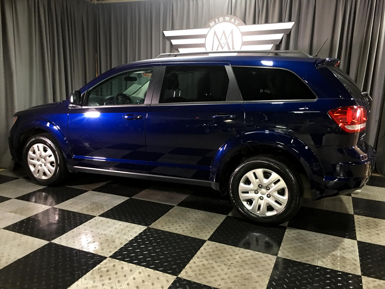 Pre-Owned 2017 Dodge Journey SE AWD