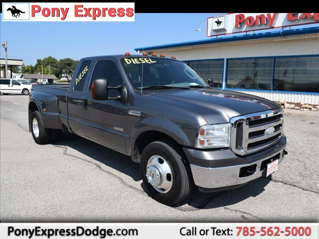 2005 Ford F350 XL SuperCab Long Bed 2WD DRW