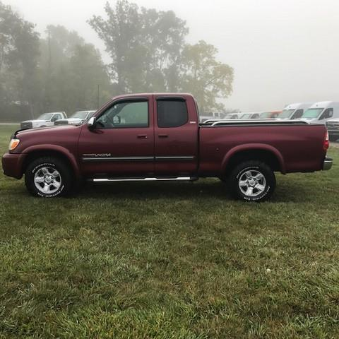 2005 Toyota Tundra SR5  EXTENDED CAB TRUCK