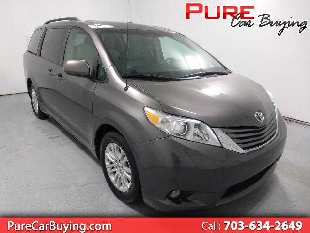 2015 Toyota Sienna XLE FWD 8-Passenger V6 *CARFAX CERTIFIED//1 OWNER*