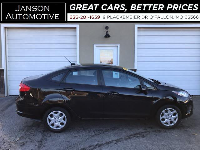 2013 Ford Fiesta SE AUTO 57K MILES! 40MPG! NICE CAR!