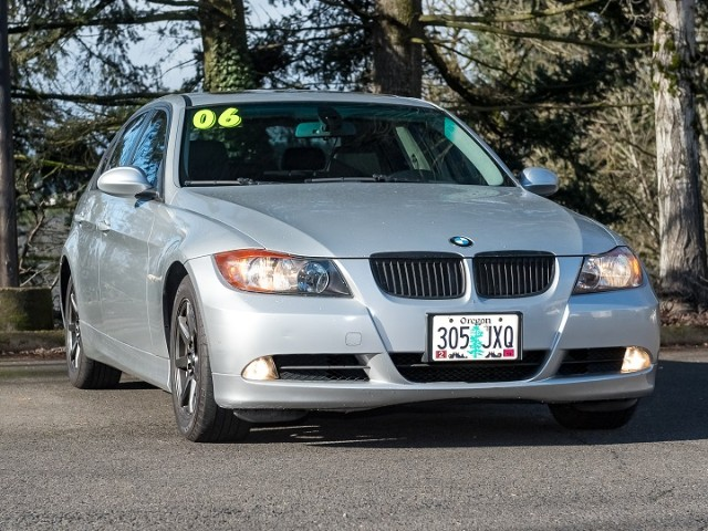 2006 BMW 3-Series 325i Low Miles w/Warranty Inspections are welcomed