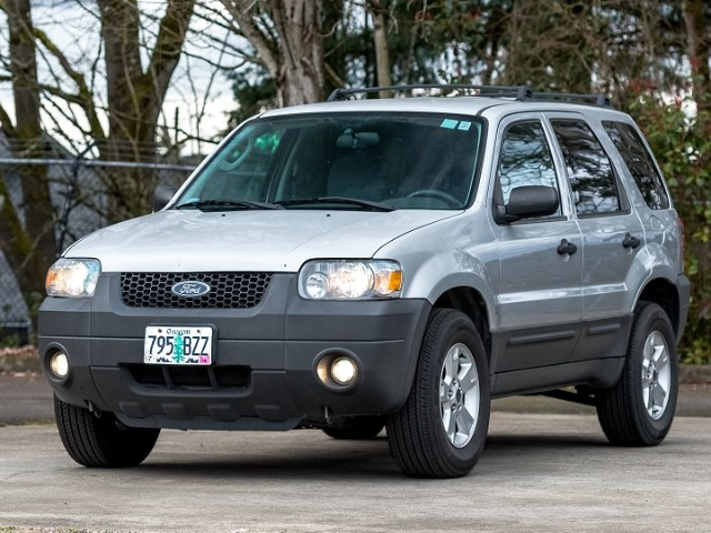 2005 Ford Escape XLT 4WD Recently Serviced w/Warranty