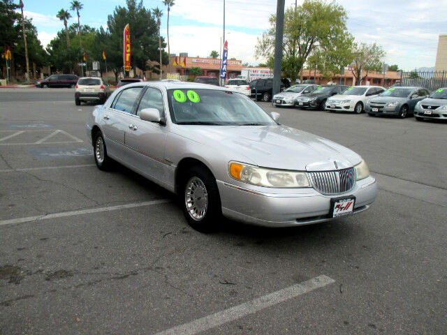 Used Cars in Las Vegas 2000 Lincoln Town Car
