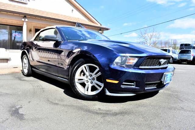 2010 Ford Mustang Convertible 2D