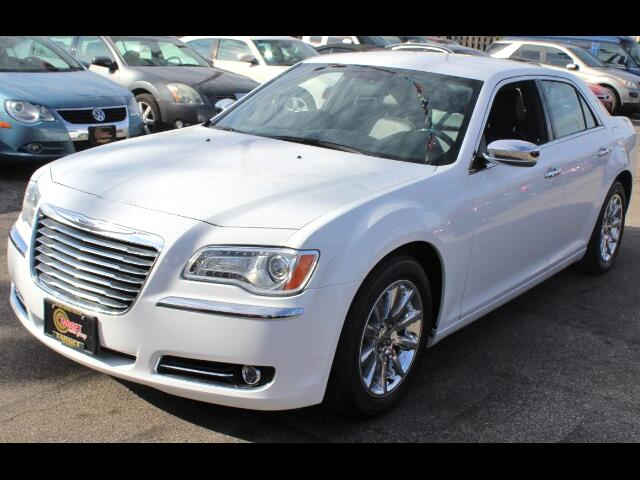 2013 Chrysler 300 4dr Sdn 300C