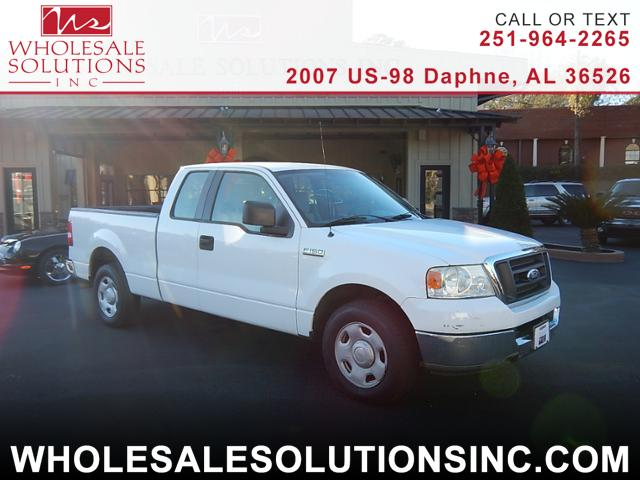 2004 Ford F-150 XL SuperCab 2WD