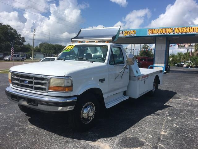 1994 Ford F-450 SD Chassis Cab 2WD