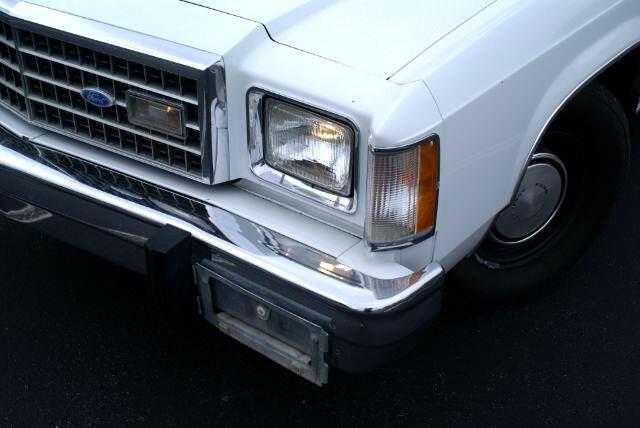 1982 Ford LTD S 4-Door