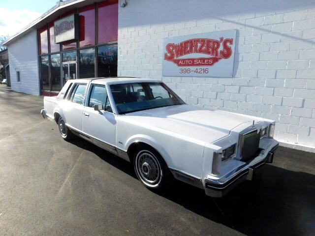 1984 Lincoln Town Car Sedan