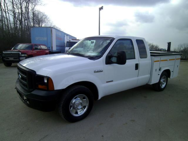 2007 Ford F-250 SD XL SuperCab Long Bed 2WD