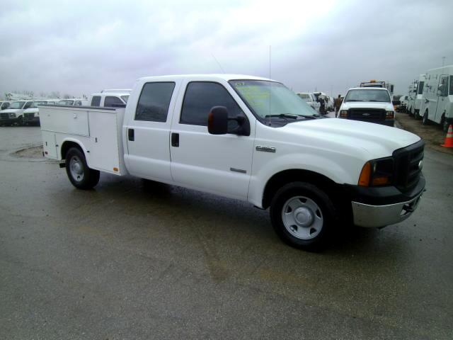 2007 Ford F-350 SD XL Crew Cab Long Bed 2WD