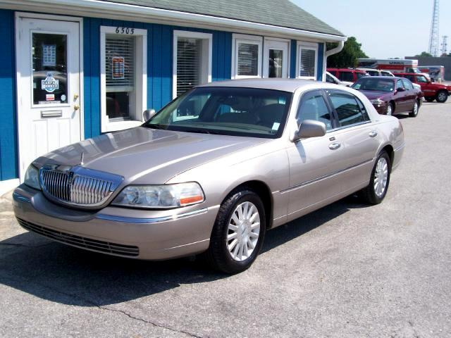 2003 Lincoln Town Car Signature - Premium