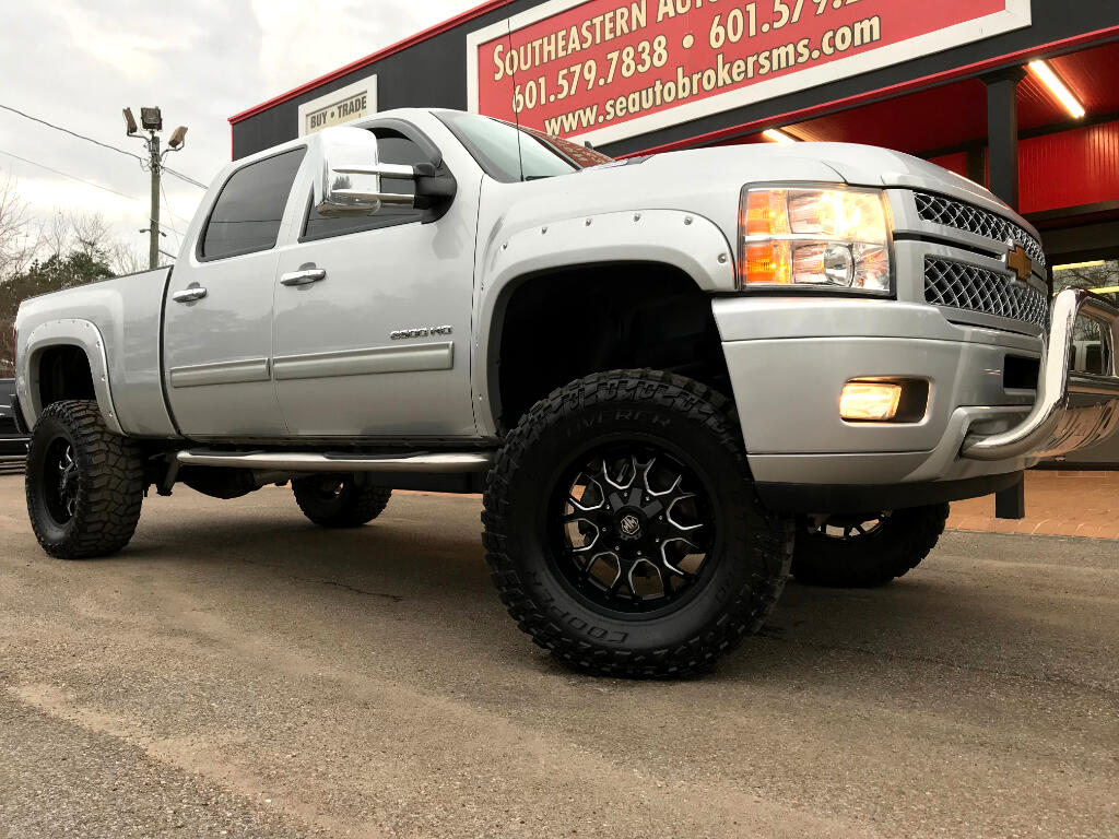 2014 Chevrolet Silverado 2500HD LT CREW CAB 4WD AMERICAN LUXURY COACH CUSTOM LIFTE