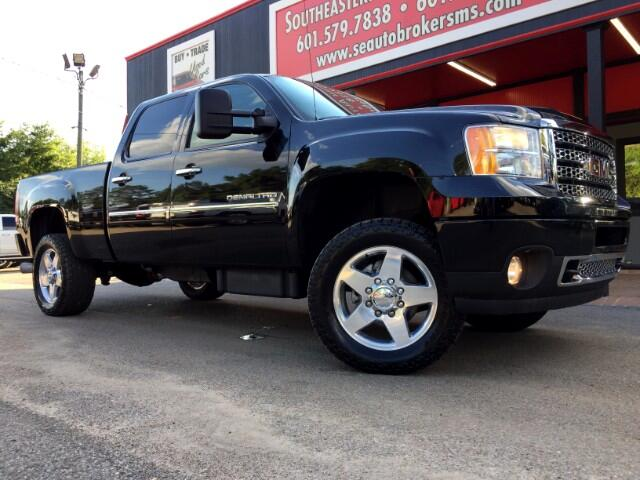 2013 GMC Sierra 2500HD DENALI CREW CAB 4WD SHORT BED LEVELED