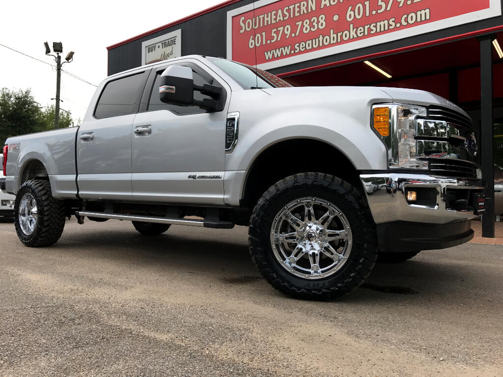 2017 Ford F-250 SD LARIAT CREW CAB SHORT BED LEVELED