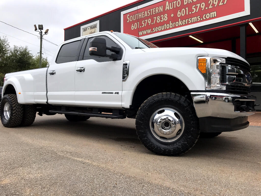 2017 Ford F-350 SD XLT CREW CAB LONG BED 4WD LEVELED