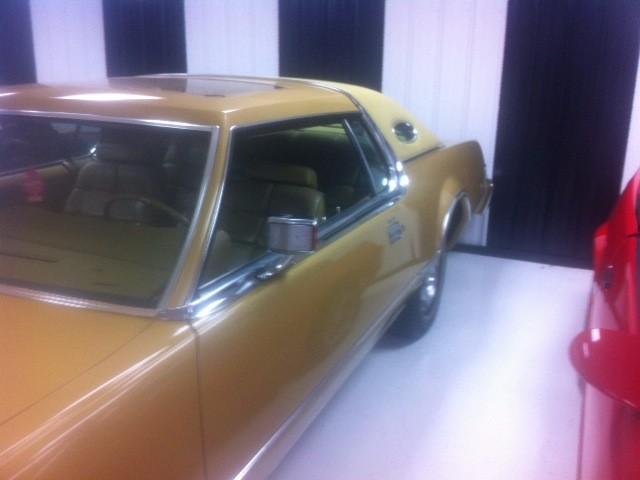 1976 Lincoln Mark VI Signature