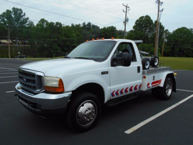 2001 Ford F-450 SD Regular Cab 2WD DRW