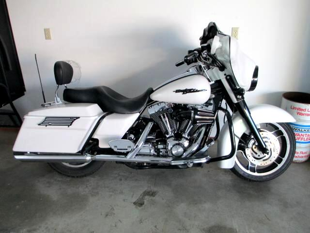 2006 Harley-Davidson FLHXI BEAUTIFUL STREET GLIDE CUSTOM PAINT BLACK ACCENTS THIS 2006 STR