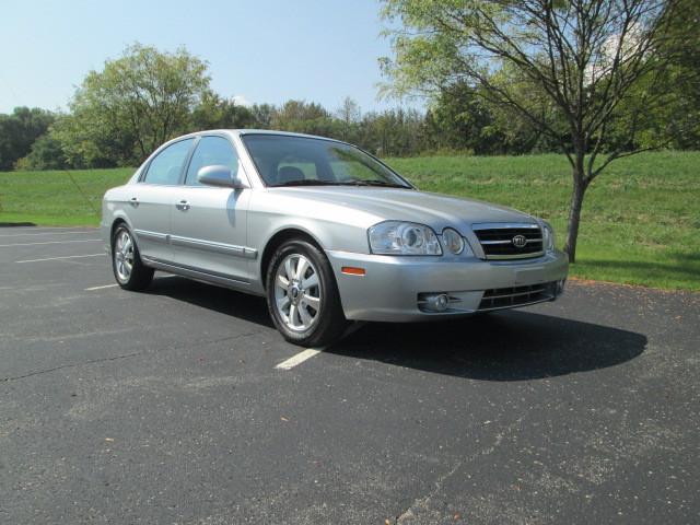 2006 Kia Optima EX V6 (early 2006)