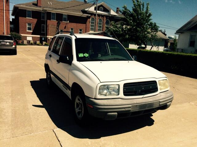 1999 Chevrolet Tracker 4-Door 2WD