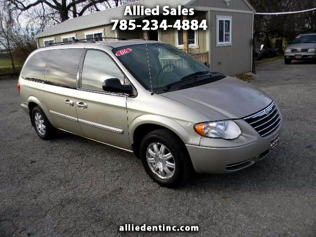 2006 Chrysler Town & Country 4dr Wgn Touring