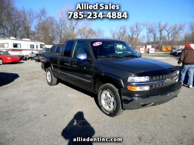 2002 Chevrolet Silverado 1500 Ext. Cab 4-Door Short Bed 4WD