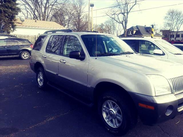 2005 Mercury Mountaineer car for sale in Detroit
