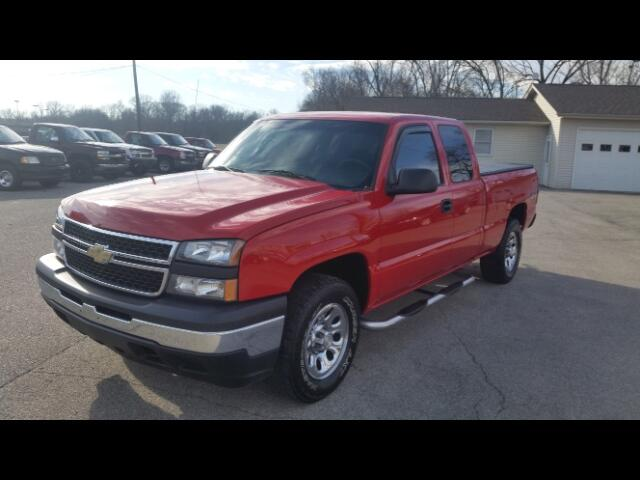 used 2007 chevrolet silverado classic 1500 work truck ext cab 4wd for sale in salem in 47167. Black Bedroom Furniture Sets. Home Design Ideas