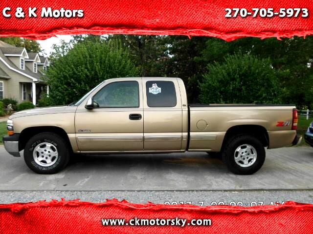 2000 Chevrolet Silverado 1500 LS Ext. Cab 4-Door Short Bed 4WD