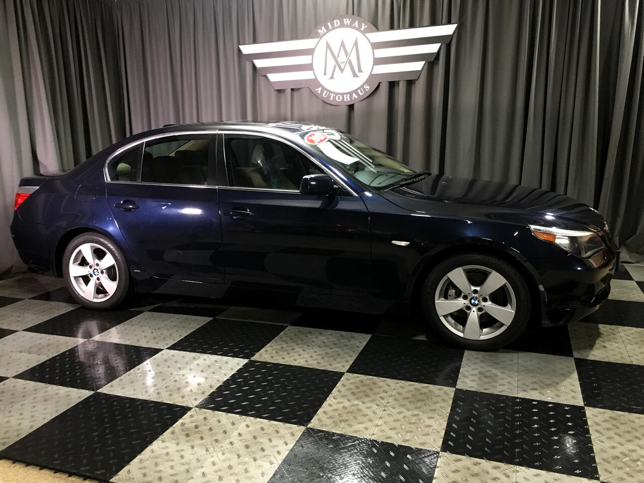 Pre-Owned 2007 BMW 5 Series 4dr Sdn 525xi AWD