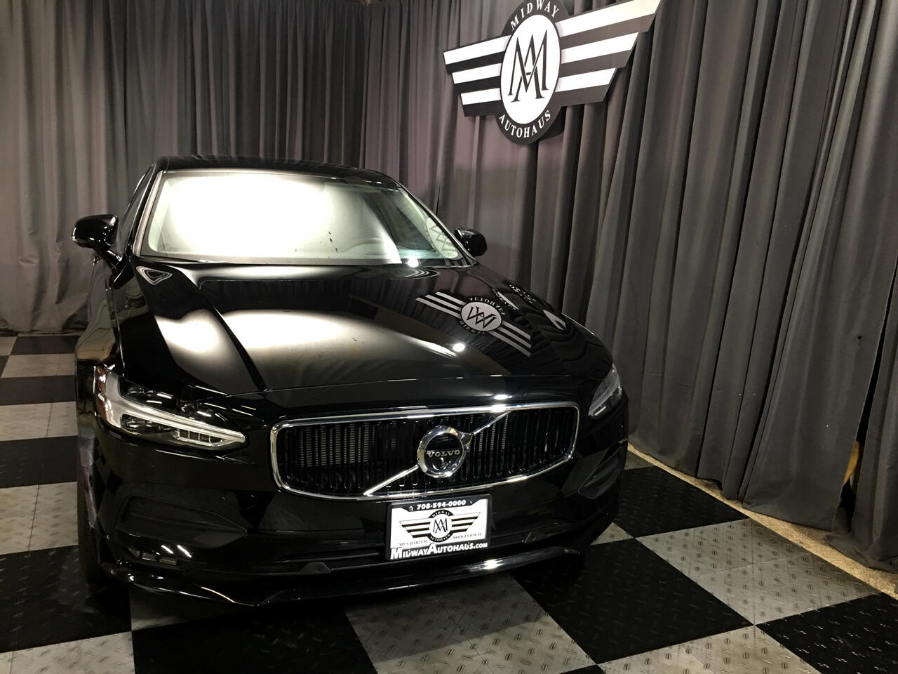 Pre-Owned 2018 Volvo S90 T5 AWD Momentum
